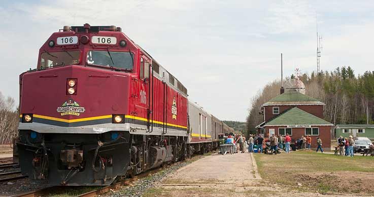 Wabatongushi's - train