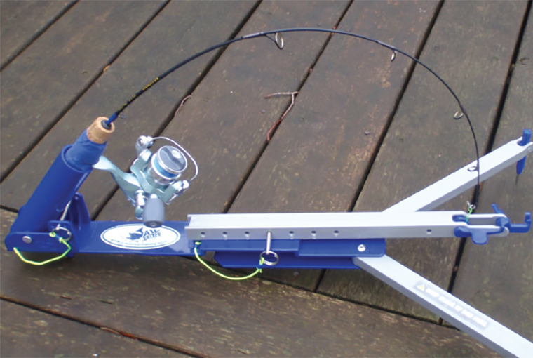 A tension rod to aid in ice fishing